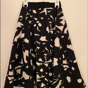Banana Republic B&W Floral Skirt